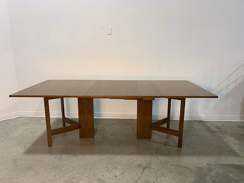 George Nelson Herman Miller Gateleg dining table with leaf