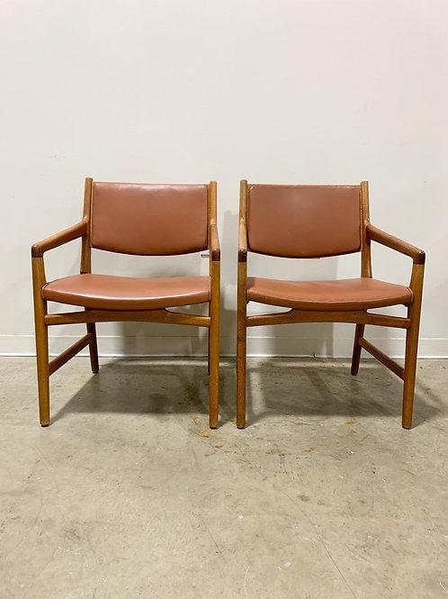 Hans Wegner Custom chairs for Magasin Du Nord (Pair)