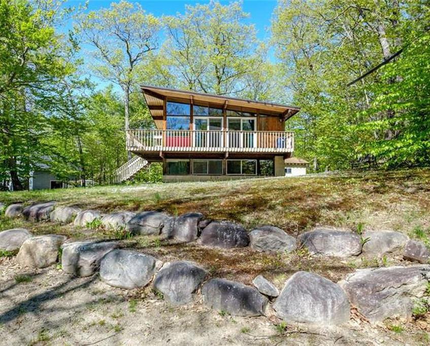 Mid-Century Modern Cabin in Maine