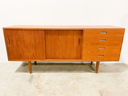 Danish Modern Teak sideboard by Hundevad & Co.