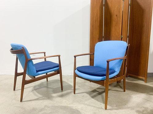 Rare pair of Finn Juhl Delegate chairs by Baker Furniture