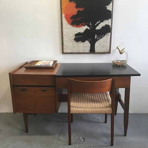 sleek mid century modern desk by hooker furniture trystcraft. Black Bedroom Furniture Sets. Home Design Ideas