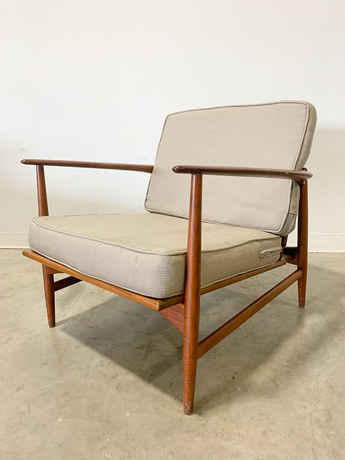 Teak lounge chair by Ib Kofod Larsen for Selig