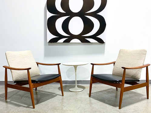 Finn Juhl FD-138 lounge chairs in teak