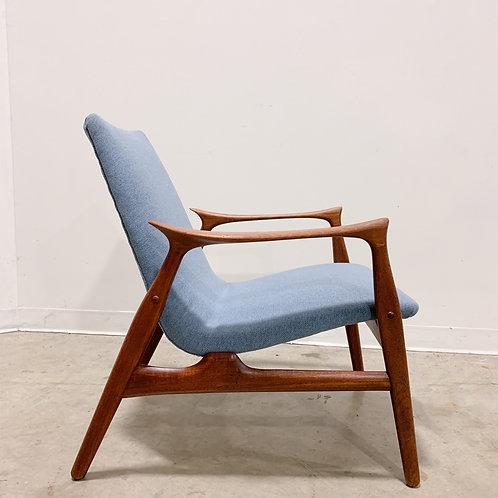 Arne Hovmand Olsen Danish Modern teak lounge chair