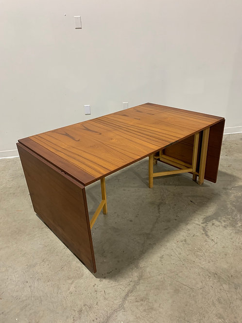 Bruno Mathsson 'Maria' Teak extendable dining table