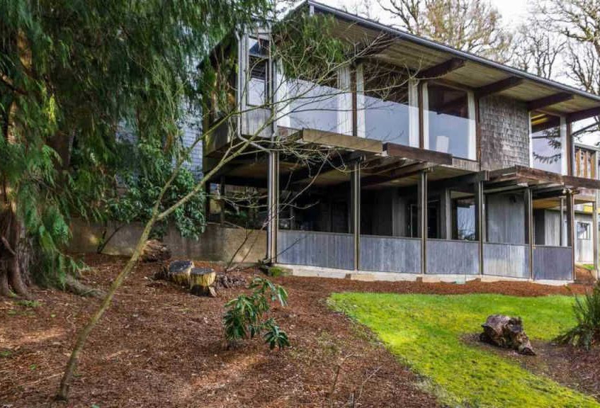 MCM Home in Oregon
