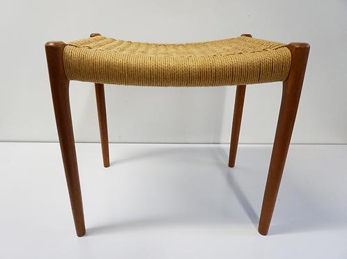 Neils Moller stool