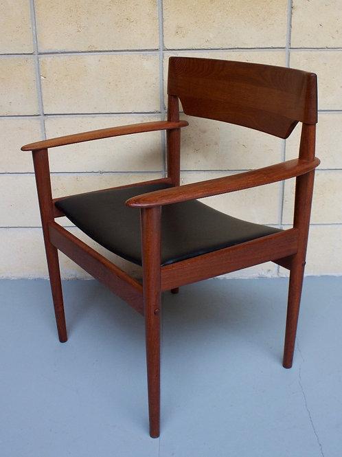 Grete Jalk PJ 4-2 P. Jeppesen armchair