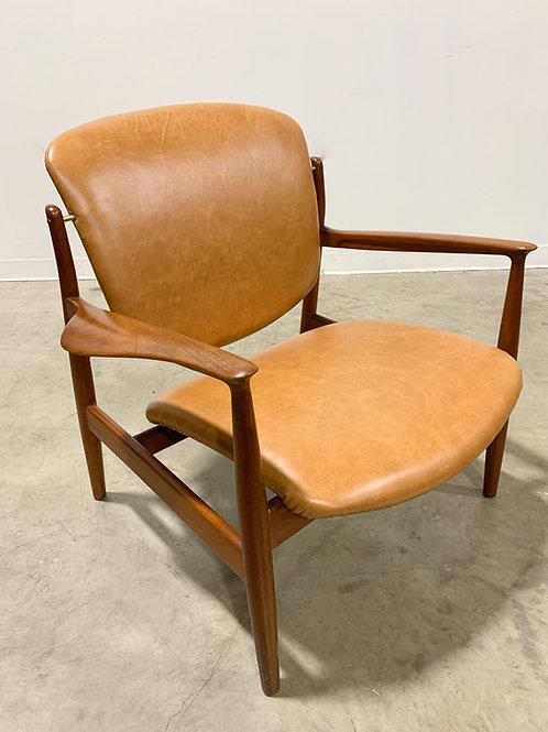 Danish Lounge chair by Finn Juhl model FD-136