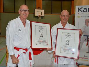 Robert und Roman werden von der Karateschule geehrt