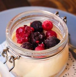 Cheesecake de pote de frutos silvestres.