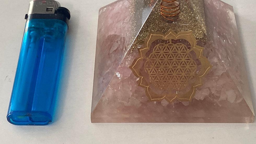 Orgon pyramid rose quartz, magnetic sand