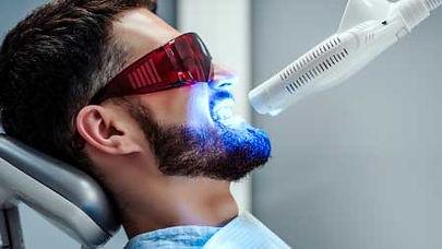 Blanchiment dentaire en Turquie : Prix, déroulement et alternatives