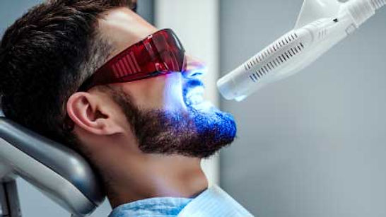Dental whitening in Turkey: Prices, process and alternatives