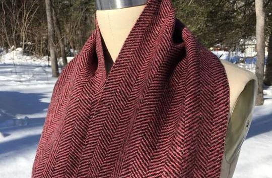 One Solid Color, Black Sheep's Wool Warp, Pink