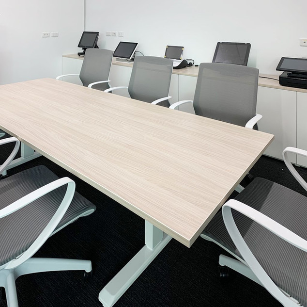 Height Adjustable Meeting/Boardroom Table