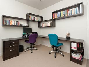 Desk & Wall Mounted Shelving