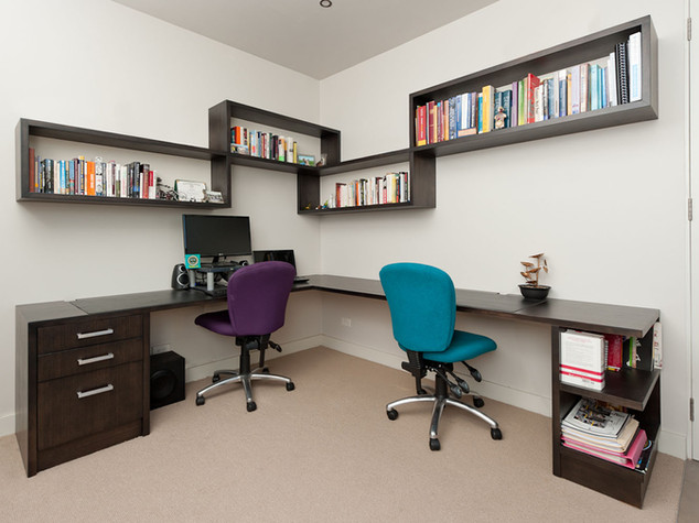 Desk & Wall Mounted Shelving