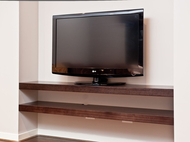 Shelving/TV Unit