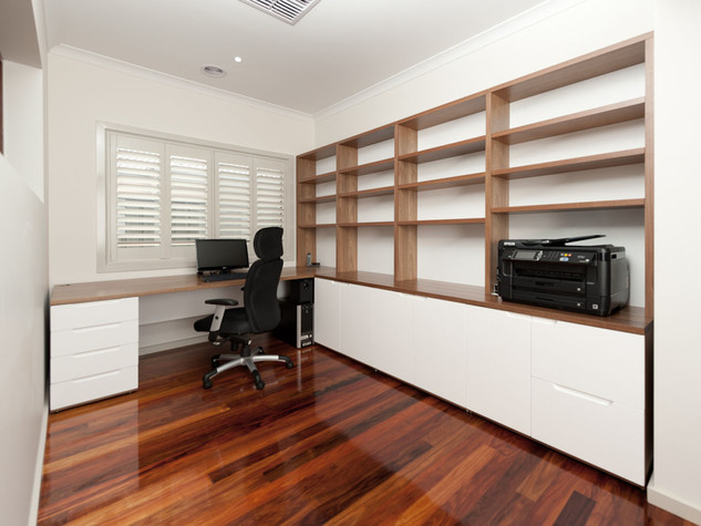 Desk & Shelving