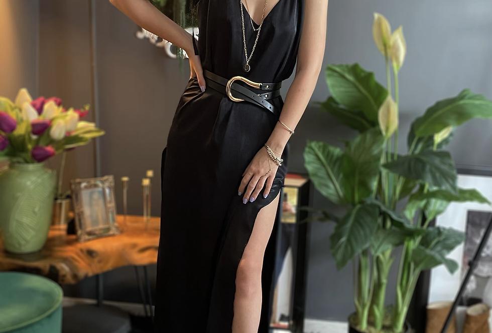 İki Yanı Yırtmaçlı Elbise