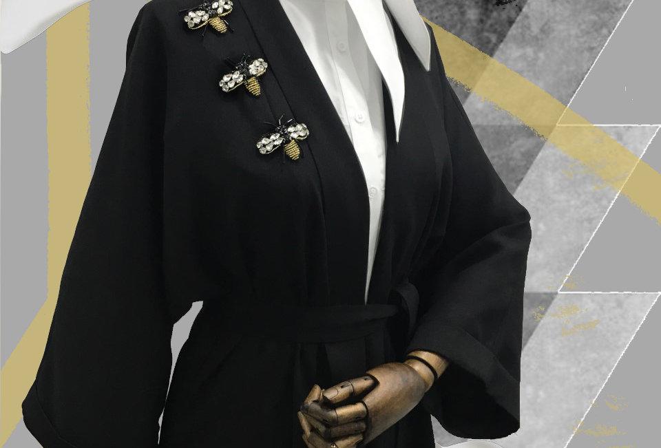 Arı işlemeli kimono