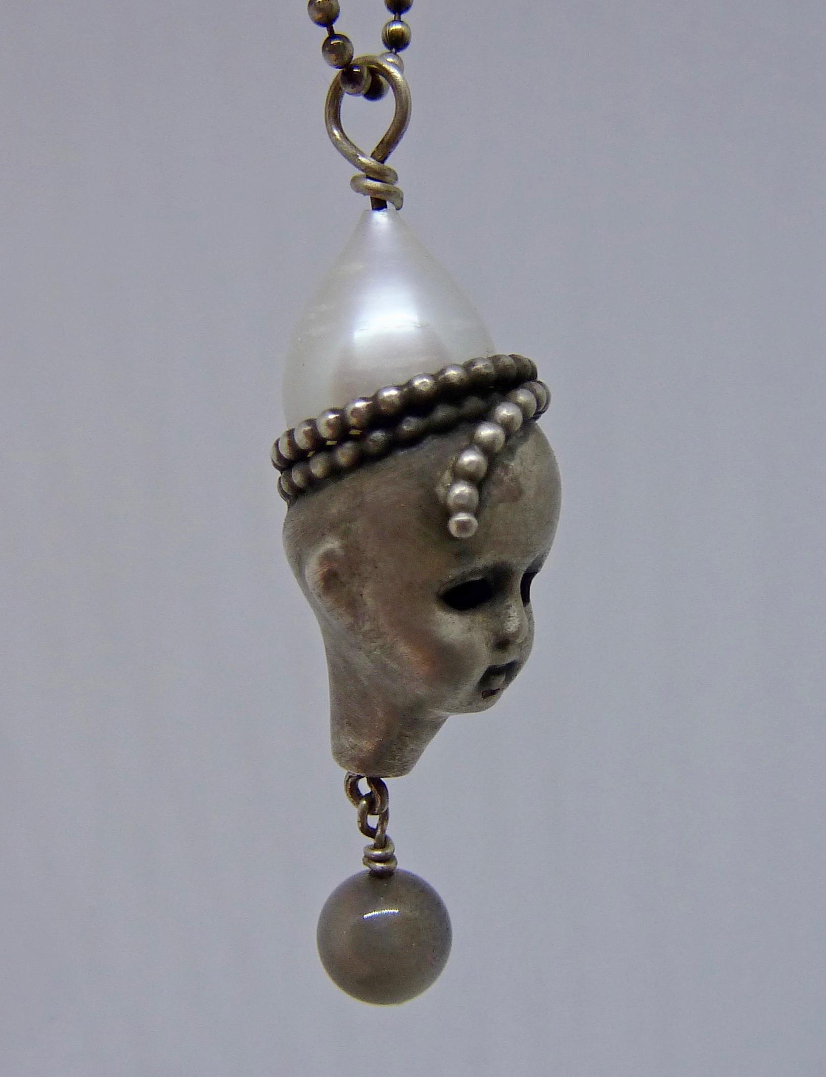 Kopf in Silber mit Perle/Mondstein