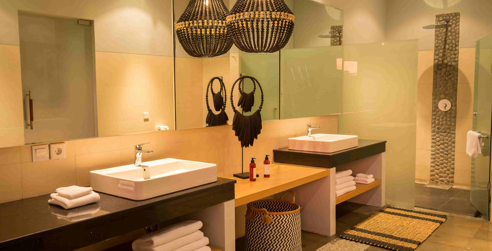 Origin Seminyak 2 Bedroom bathroom 1