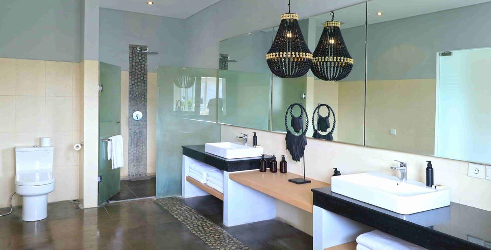 Origin Seminyak 3 Bedroom Bath