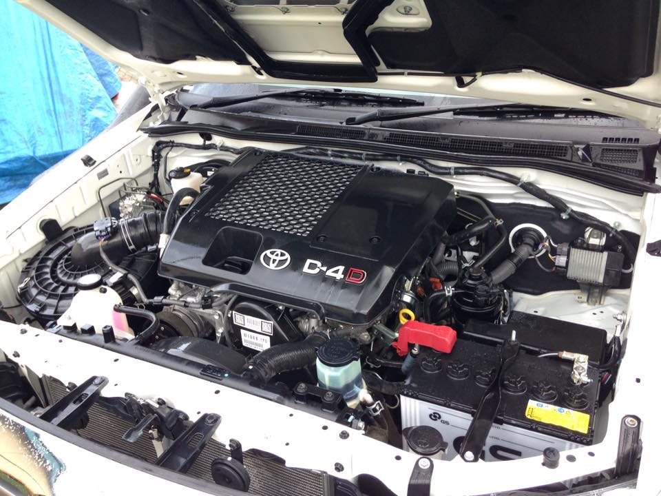 AFTER - Engine bay detailing Brisbane.jpg