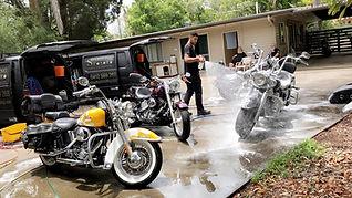 Sparkling-star-MotorCycle-detailing-bris
