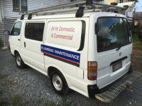 Before & After Photos of professional vehicle vinyl signage removal keeping your paint in the be