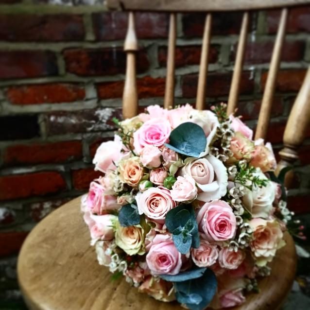 rose bouquet kent wedding florist pink roses