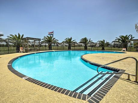 Enjoy the Terramar Community Pool