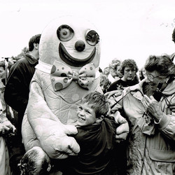 Mr Blobby and a fan
