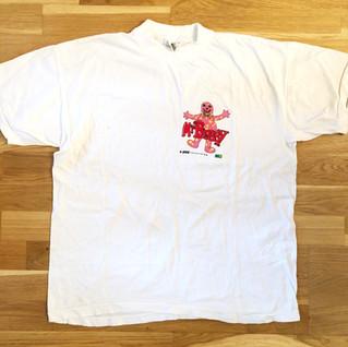 White t-shirt, small corner design