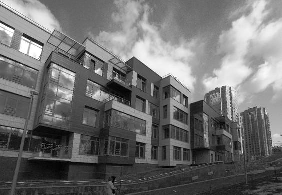 "Residential complex ""Lake House"". St. Petersburg. Shore of Suzdal Lake. 2011.  Жилой комплекс ""Лэйк Хаус"". Санкт-Петербург. Берег Суздальского озера. 2011."