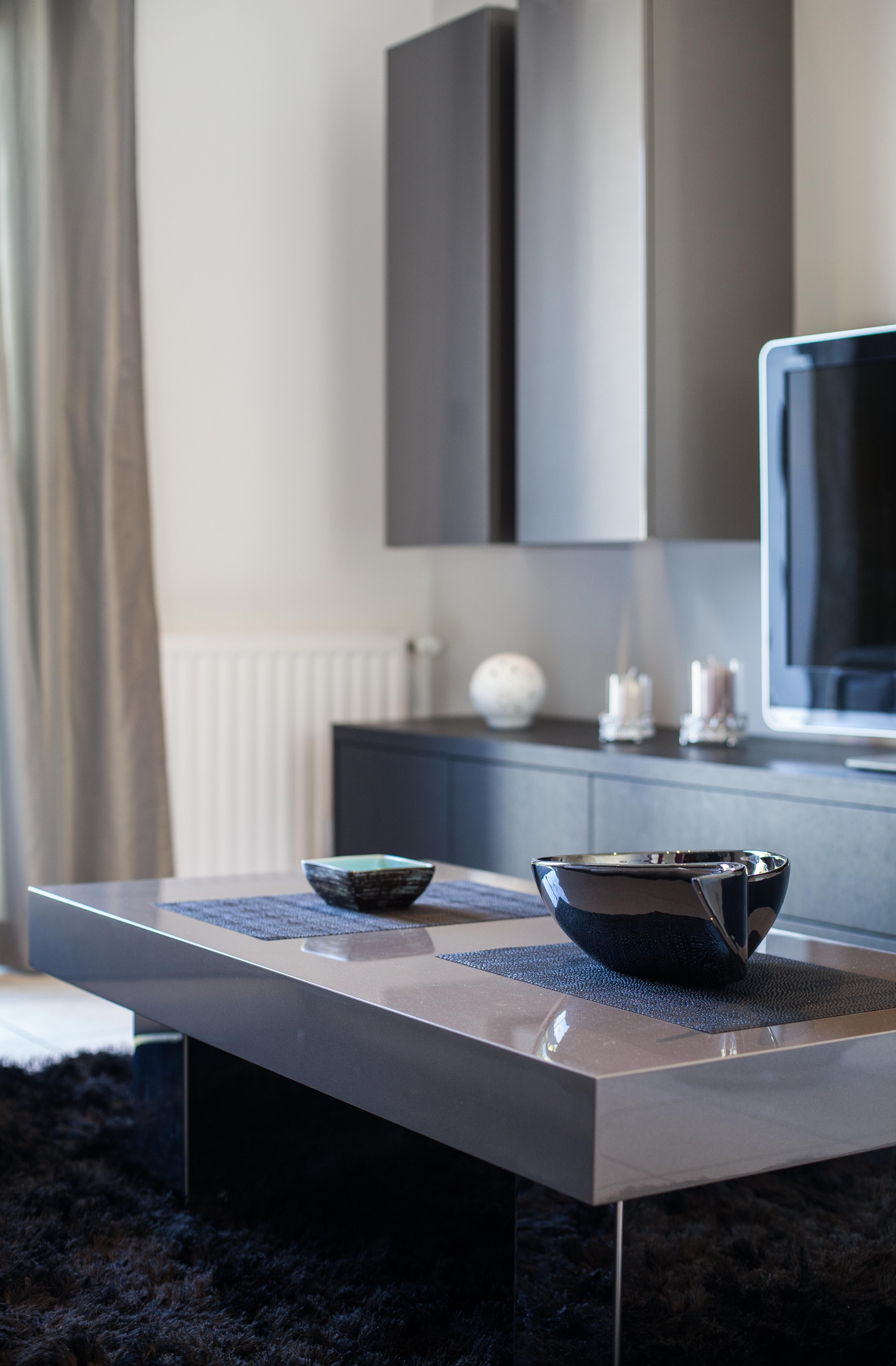 Meuble tv+ colonne et Table basse