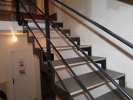 Escalier métal et béton ciré, Menuiserie MERCERON Fabrice