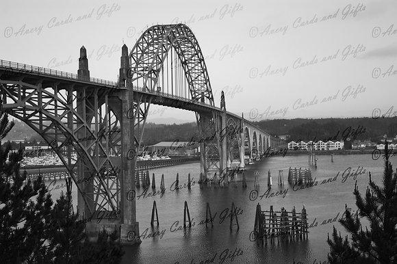 Newport Bridge-B&W