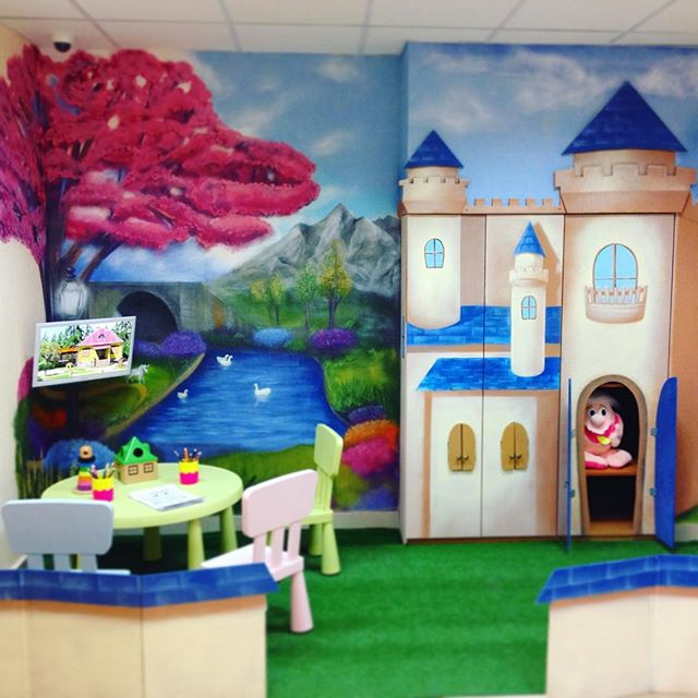 #farytale #land #interior #painting by #spraypaint #cans and #wood #castle #kids #playground