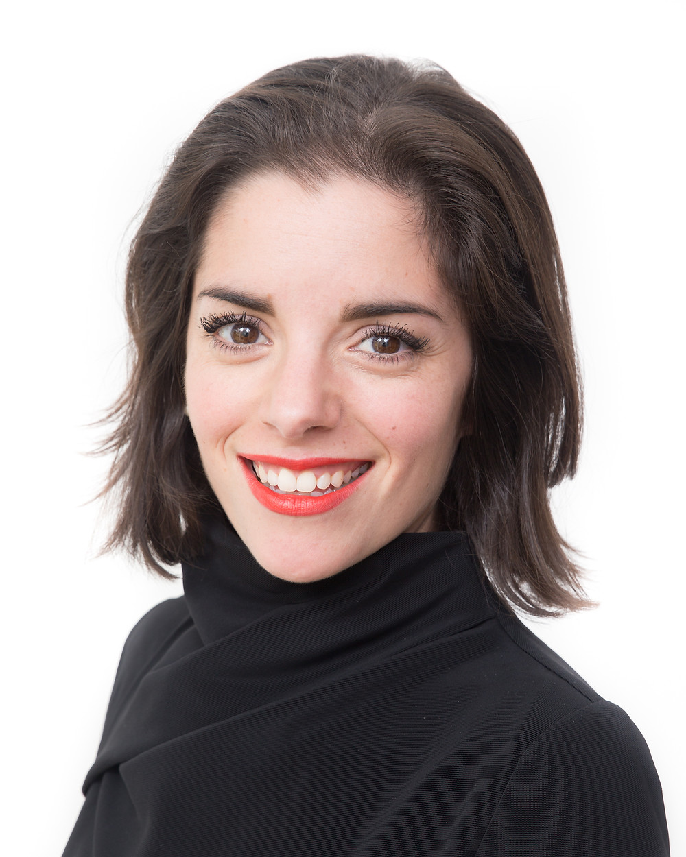 Smart black outfit, strong make up, lucinda price photography headshot cambridge