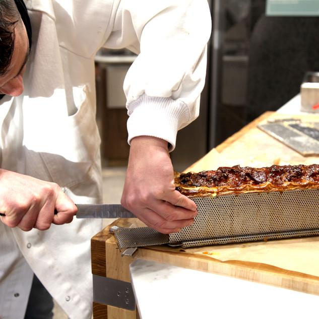 Démoulage des pâtés croûte réalisés par Arnaud NARDON à Maisons-Laffitte