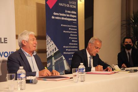 2Le maire M. Jacques Kossowski + Alexandre Vaudois Resp. dvlpt CCi Commerce 92 + W+m fremo
