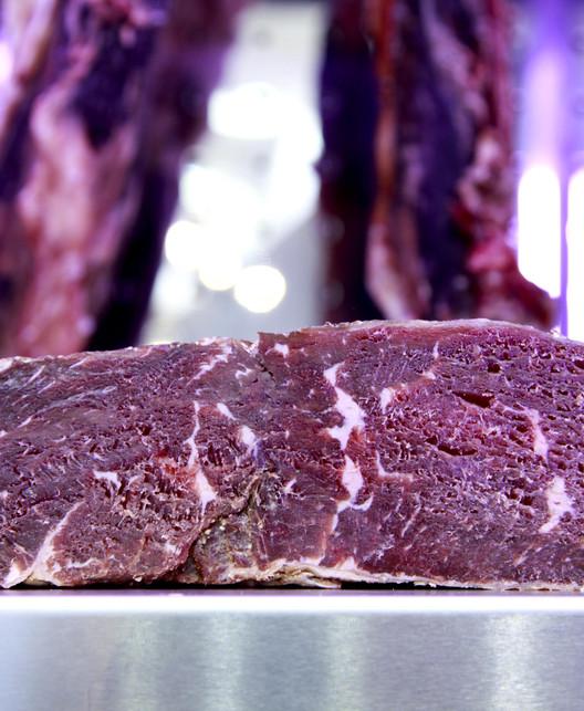 Faux-filet Holstein maturé fumé.jpg