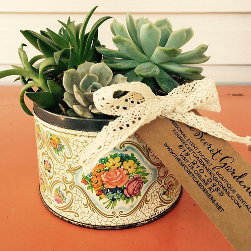 Small vintage planter  *pick up only