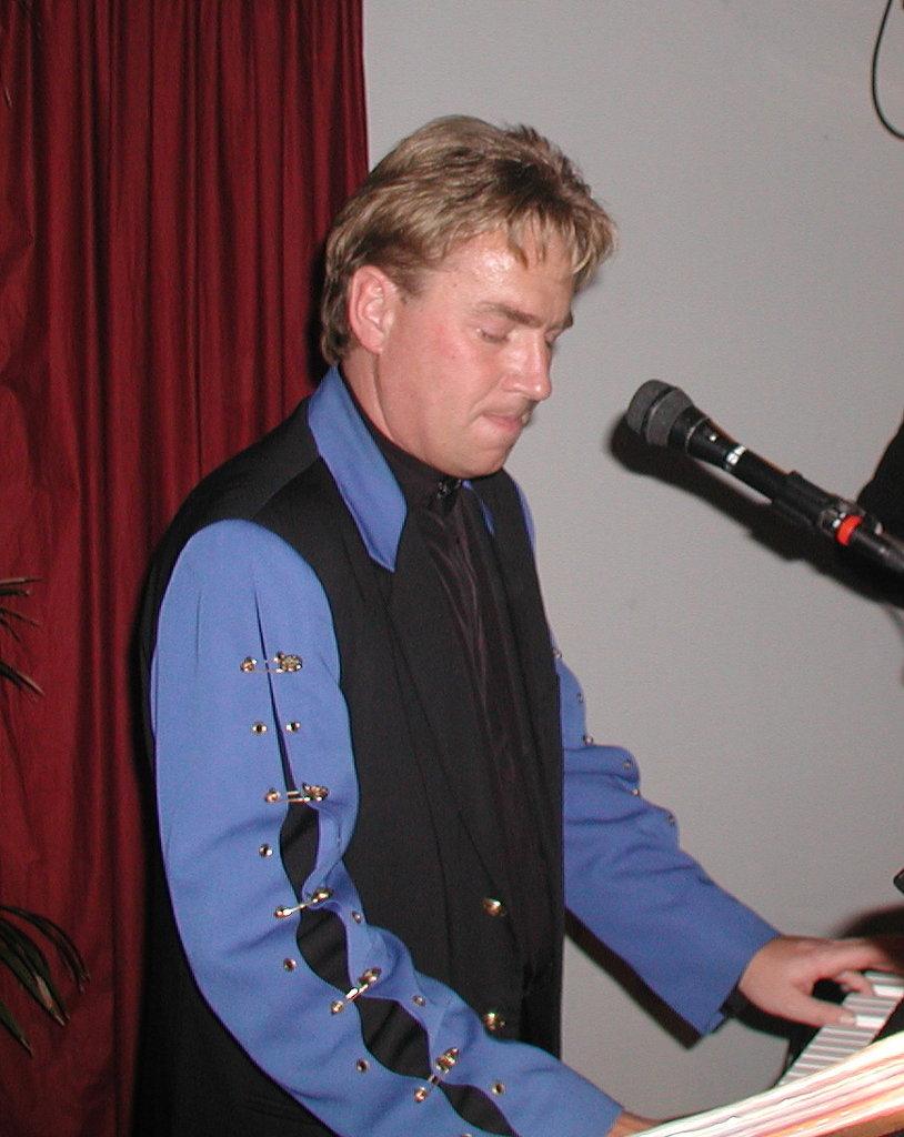 Eddie 2003