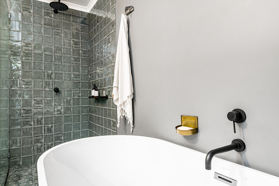 black-star-bathroom.jpg