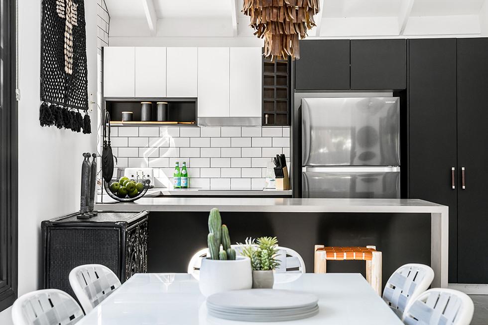 byron-bay-gourmet-kitchen.jpg